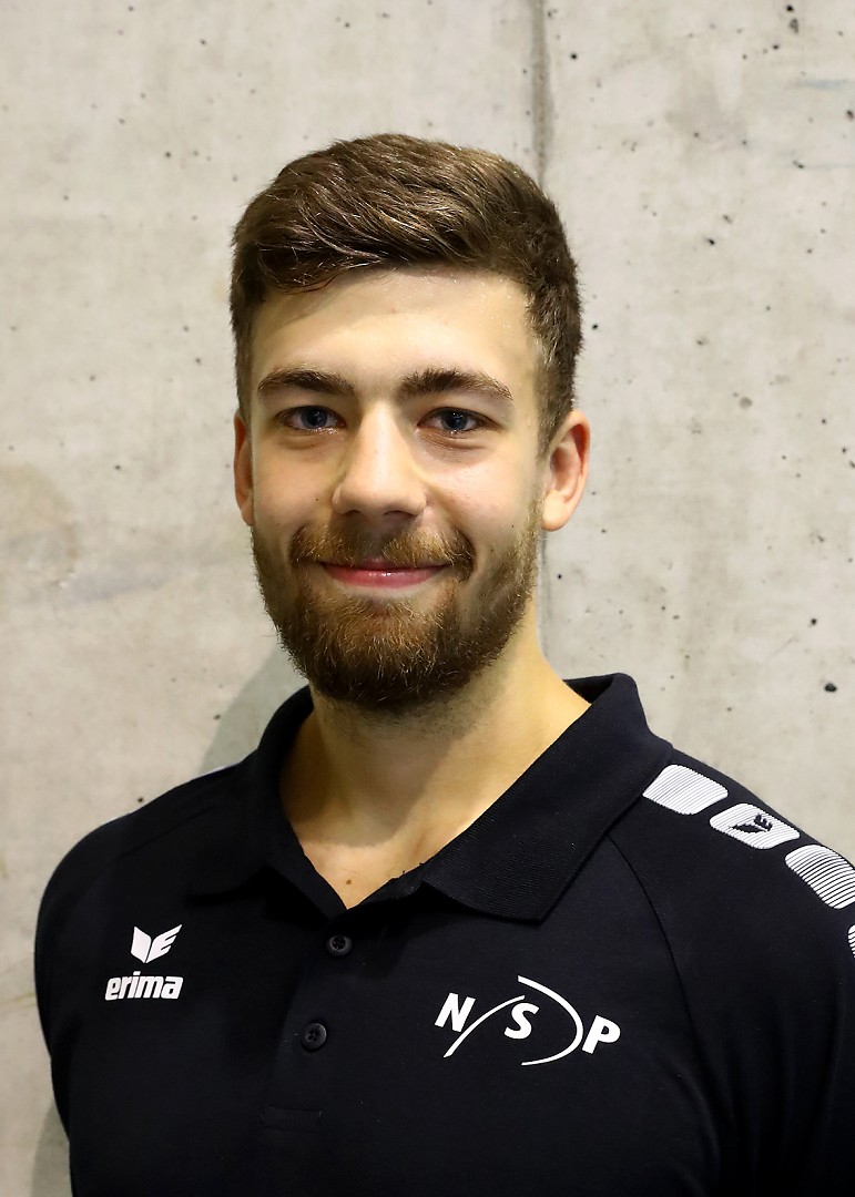 2019 Oliver Sven Trainer